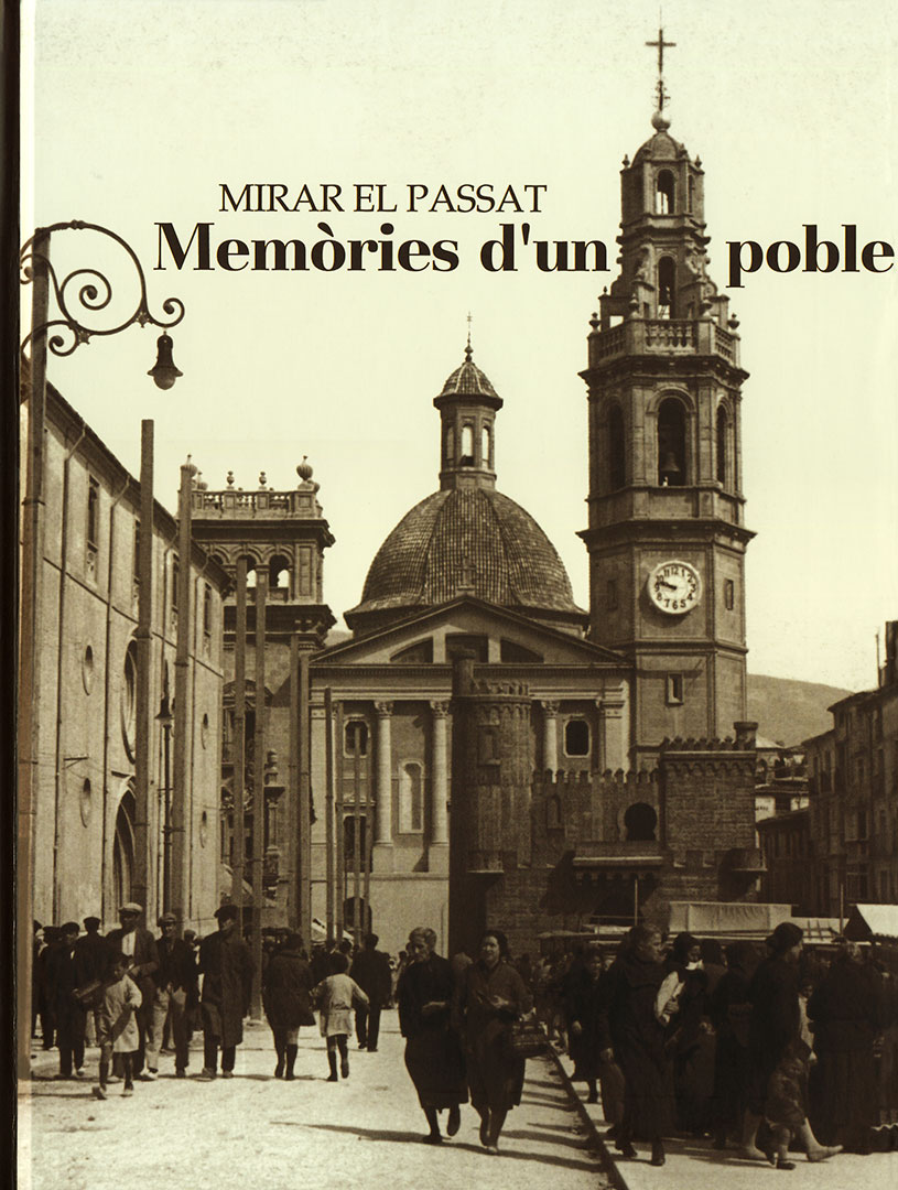 Memories d'un poble book cover